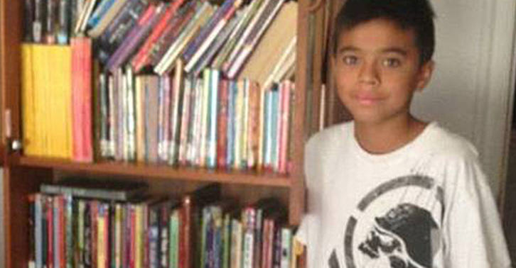 lxobXAJ9Eflores fb.jpg Mail Carrier Collects Books For Boy Who Couldnt Afford Them