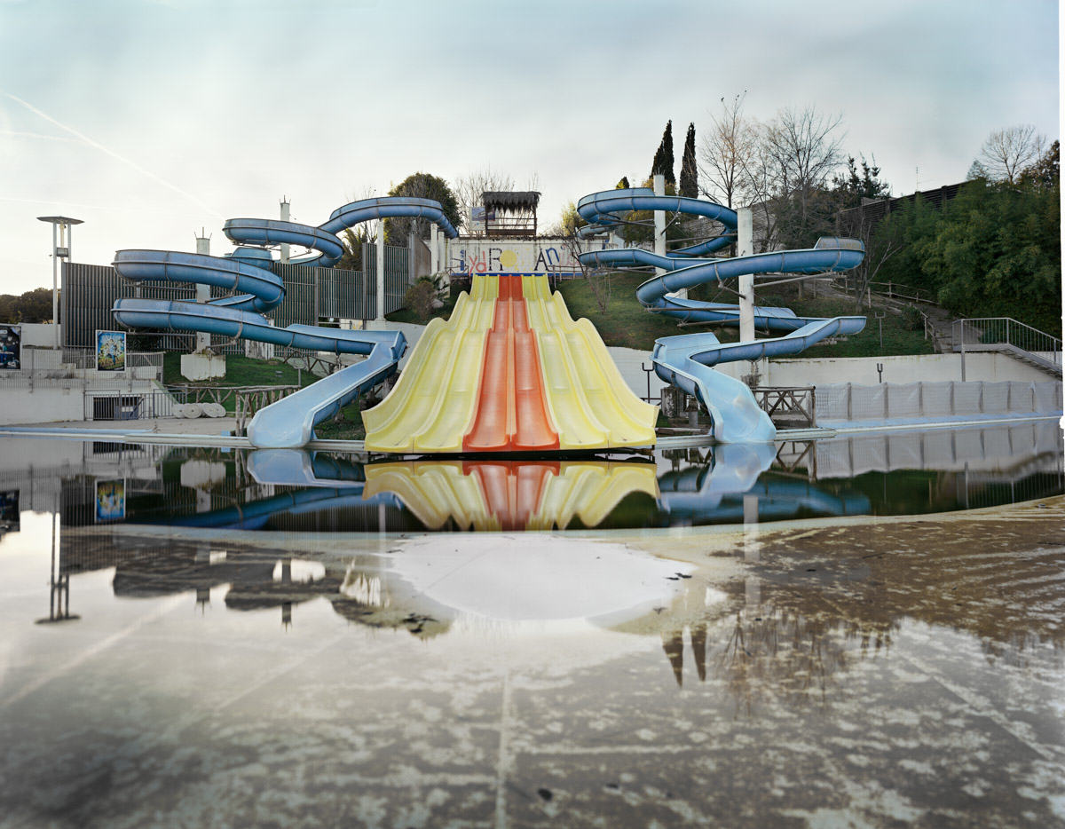 UNILAD Aquapark 28 These Pictures Of Vacant Chinese Theme Parks Are Really Creepy