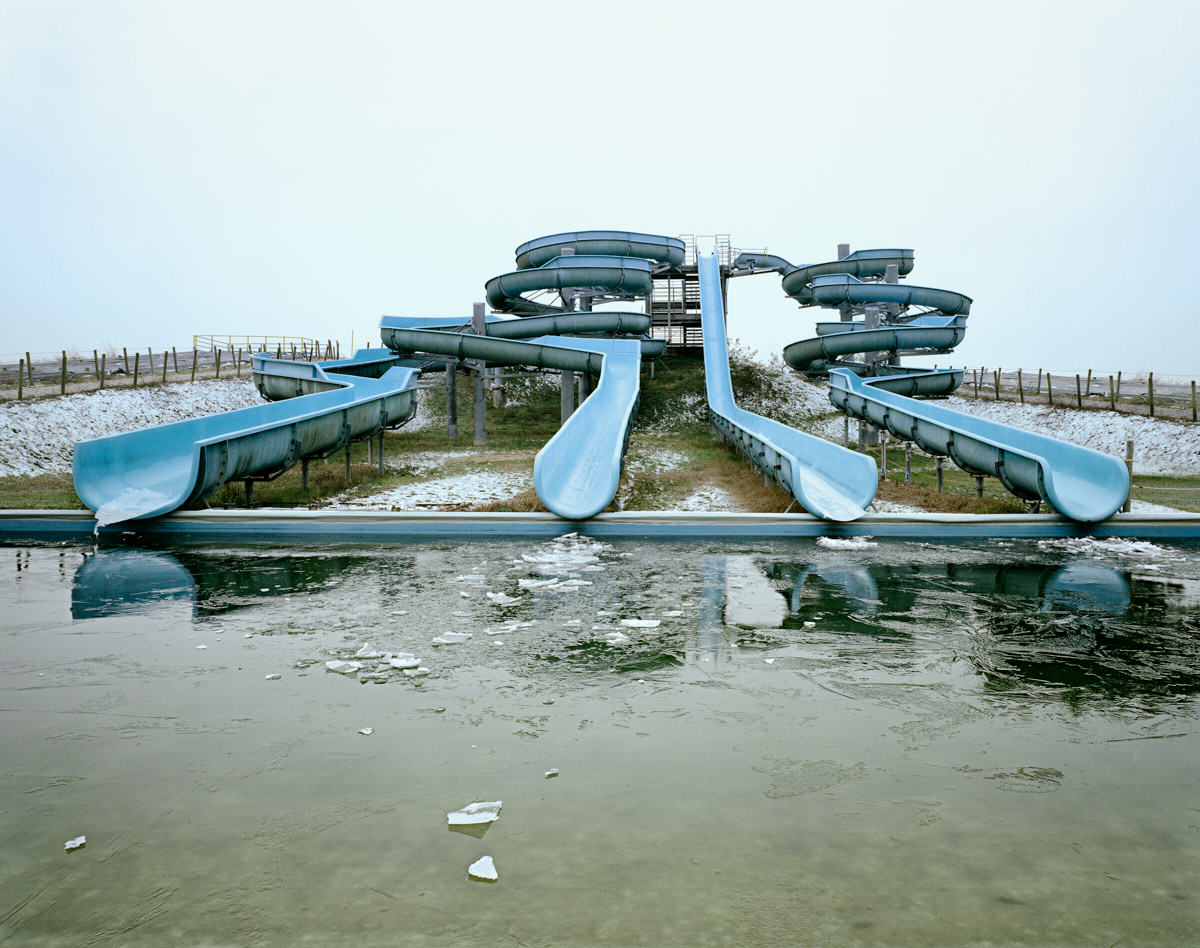 UNILAD Aquapark 48 These Pictures Of Vacant Chinese Theme Parks Are Really Creepy