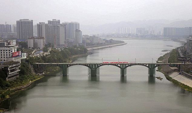 Awesome Moment Bridge In China Is Completely Demolished In THREE Seconds UNILAD Reuters2