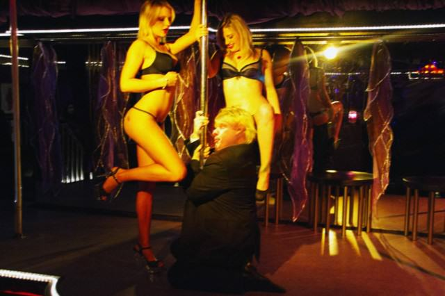 UNILAD boris strippers3 640x426 Strip Club Employees Tell Some Of Their Craziest Workplace Stories