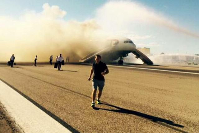 UNILAD british airways15 640x426 British Airways Plane Has Had A Catastrophic Engine Failure