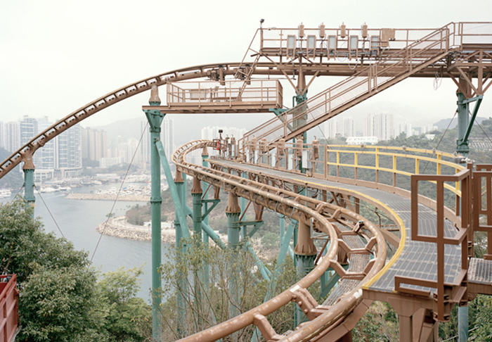 UNILAD cerio5 These Pictures Of Vacant Chinese Theme Parks Are Really Creepy