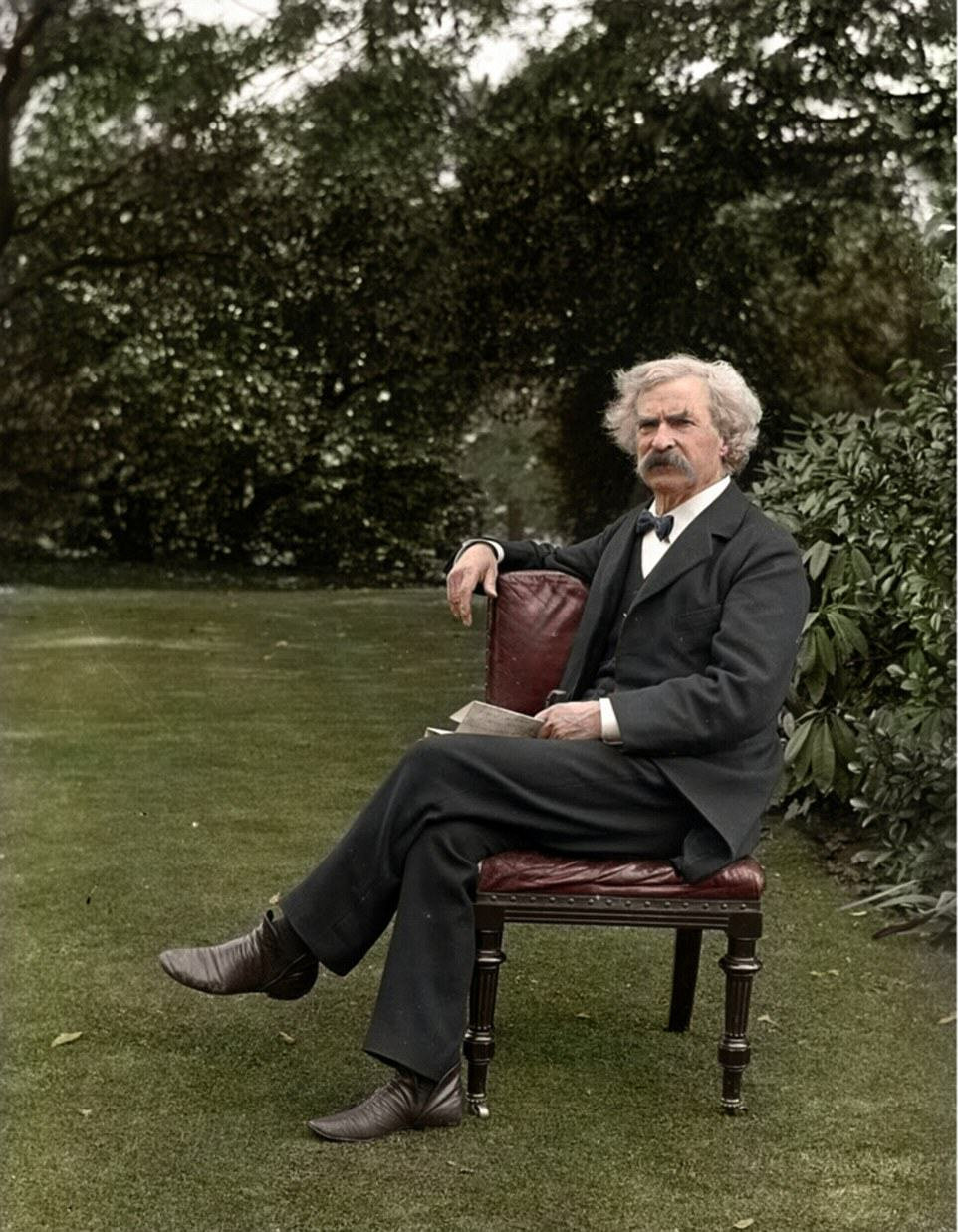 UNILAD colour photos 167 Some Of Historys Most Iconic Photos Have Been Transformed From Black And White To Colour