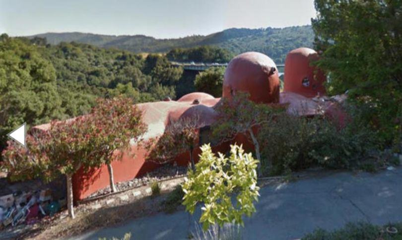 UNILAD flinstones house 63 The Flintstones House Is Up For Sale, Now You Too Can Live Like A Cartoon Caveman