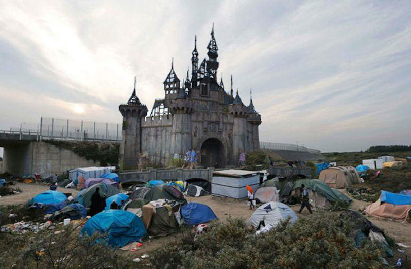 dismal calais1 810x530 Banksys Dismaland Theme Park To Be Used As Refugee Shelter