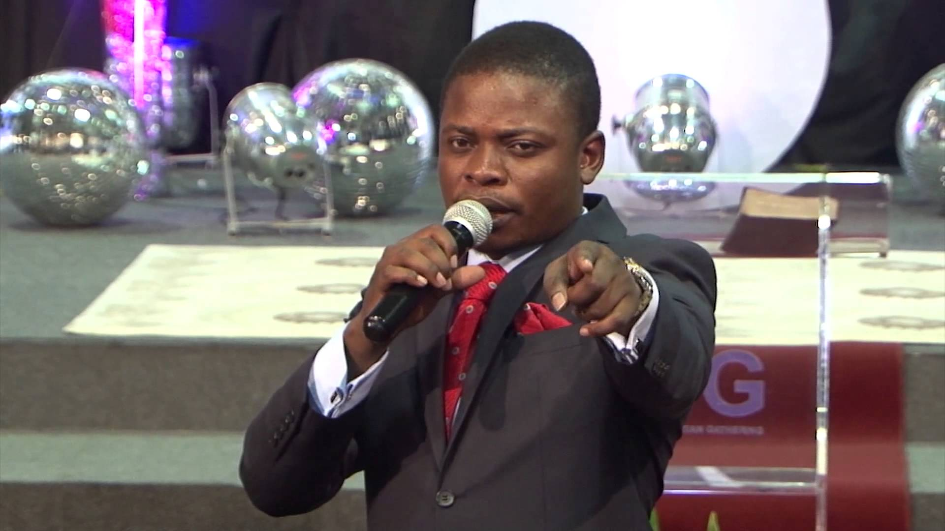 maxresdefault1 African Prophet Claims To Walk On Air In Ridiculous Miracle Video