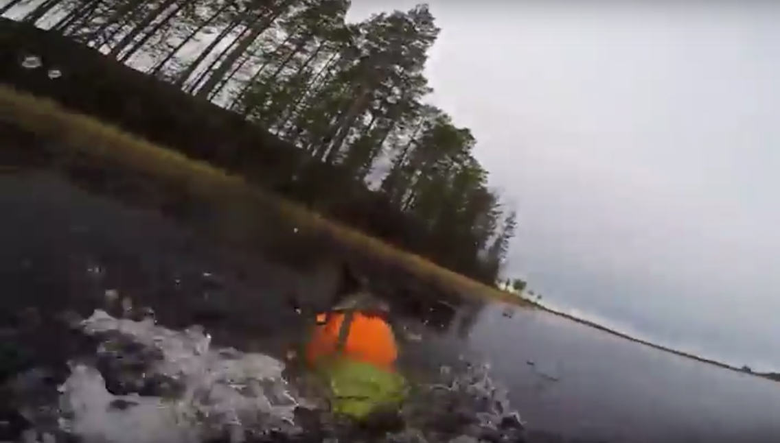 UNILAD 43000 Swedish Hunter Jumps Into Partly Frozen Lake To Save His Dog
