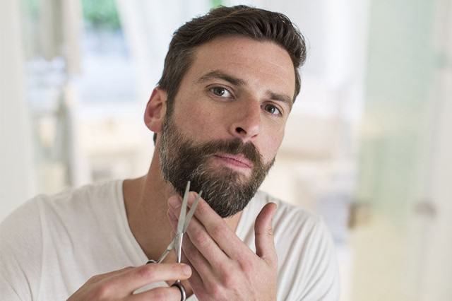 UNILAD A man trimming his 3101397k50338 640x426 Guys With Beards More Likely To Be Violent, Lying Cheaters, Apparently