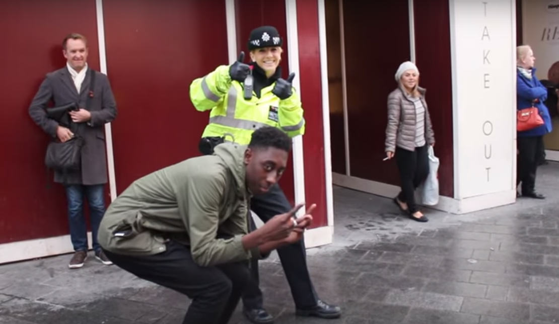 UNILAD Untitled 123292 These Lads Managed To Get A Policewoman To Ride An 'Illegal' Swegway