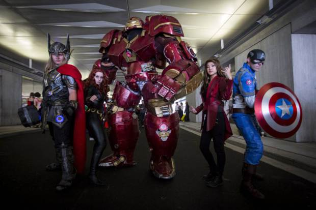 UNILAD ad 18405233311 Watch Incredible 9ft Iron Man Strutting His Stuff At Comic Con