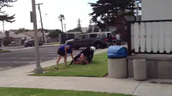 Shocking Moment Cops Hold Down Mother And Punch Her In The Face UNILAD cali35