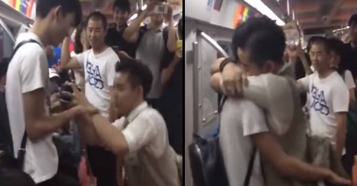 Man Proposes To His Boyfriend On Beijing Underground, Melts Chinas Heart UNILAD china34