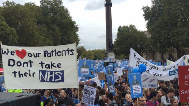 Junior Doctors March In London Again To Protest Contract Changes UNILAD doctor march 287630