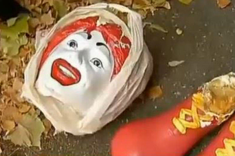 UNILAD mcd56135 Vandals Cut Feet off Ronald McDonald, Decapitate Him