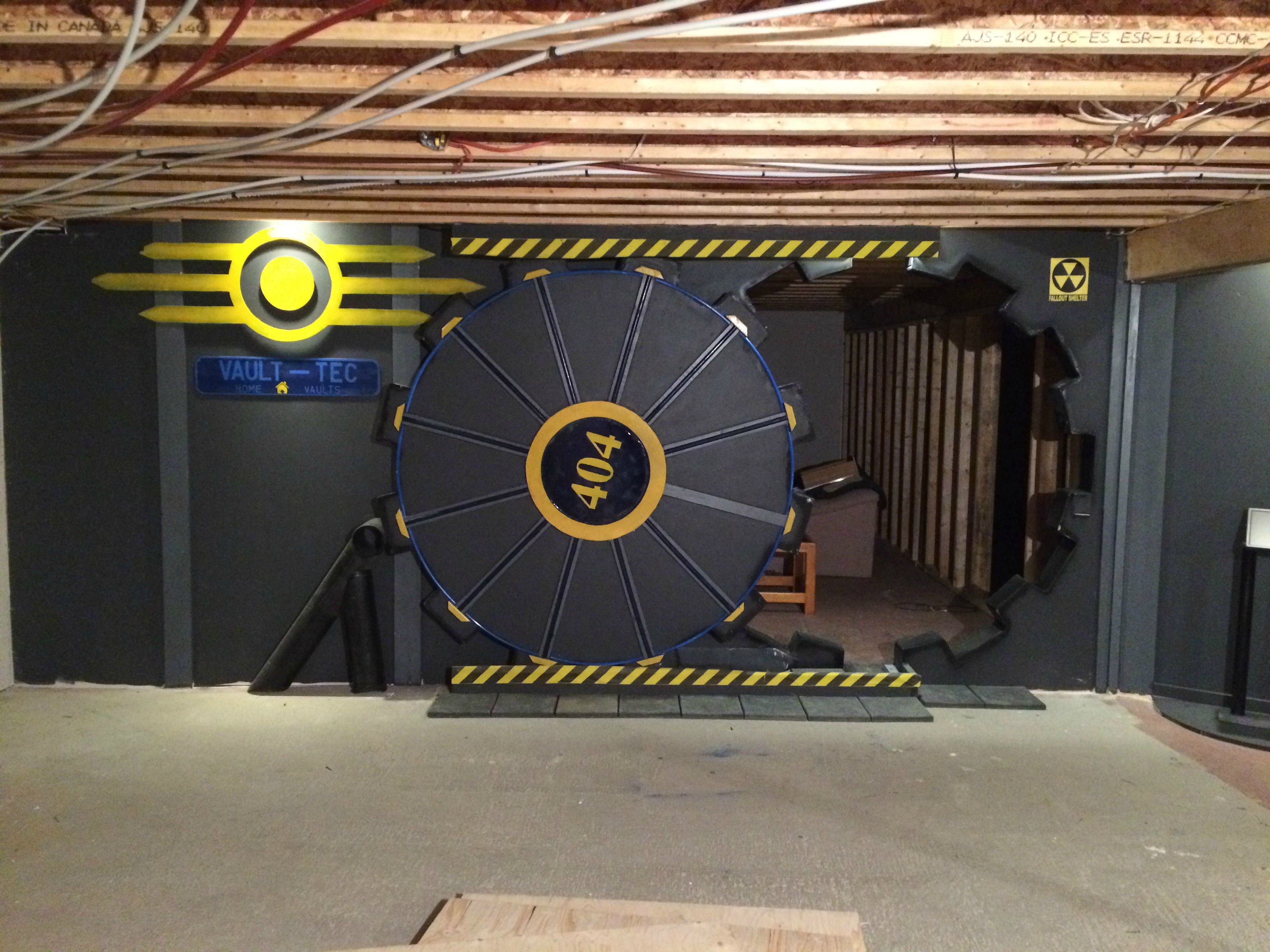UNILAD vQ5tQQQ3 This Guy Built A Fallout Vault Door For His Basement Gaming Room