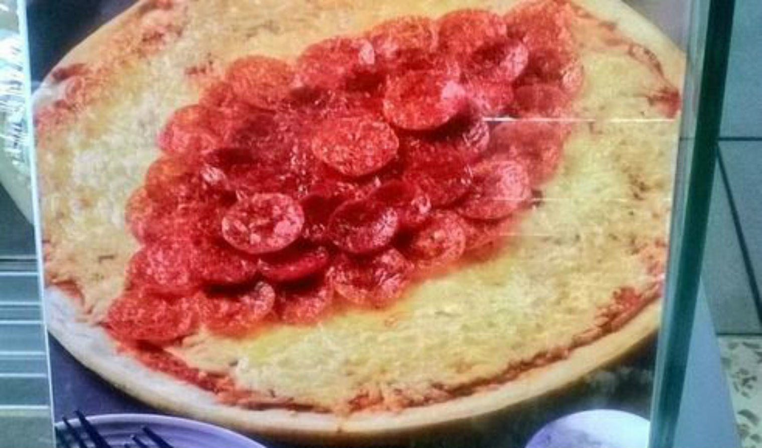 UNILAD vag14 Morrisons Release Rugby Pizza That Looks Like A Vagina, People Meltdown