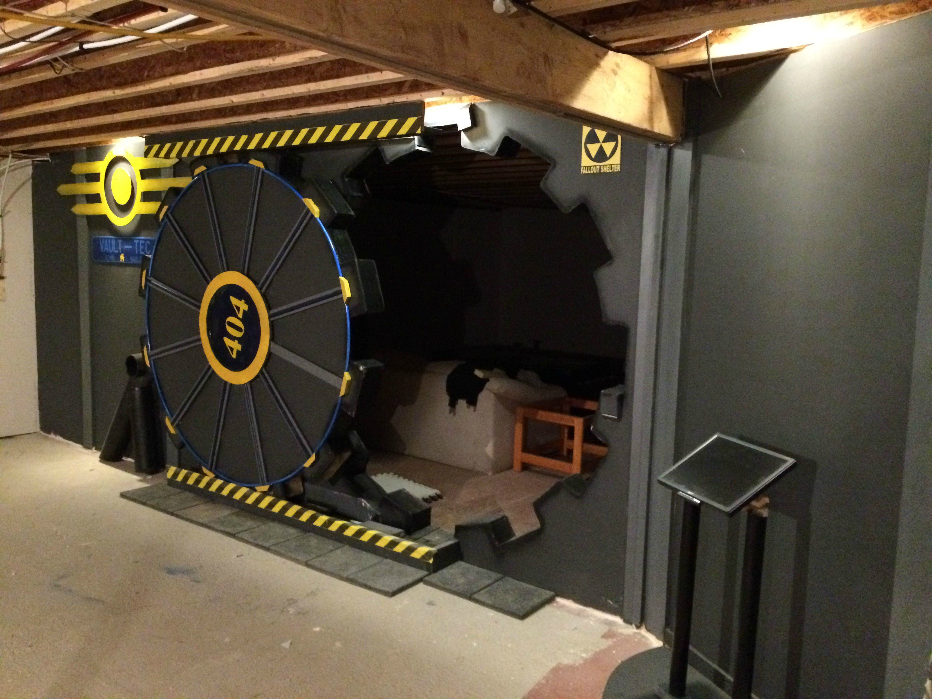 UNILAD w2PumRZ7 This Guy Built A Fallout Vault Door For His Basement Gaming Room