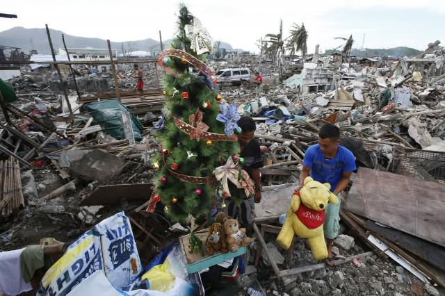 1219.typhoon.magliano 640x426 How To Do Christmas On The Cheap
