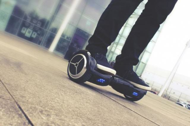 UNILAD 17 Smart Glider67672 640x426 Hoverboards Explode And Set Fires, Give Themselves Even Worse Rep