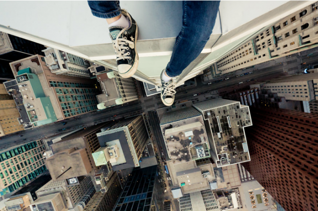 UNILAD Acrophobia13842 640x426 Advice Every Guy In His Twenties Would Give Their Younger Self