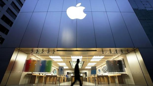 UNILAD Bloomberg26703 Apple Store Kicks Black Students Out Because They Might Steal Something