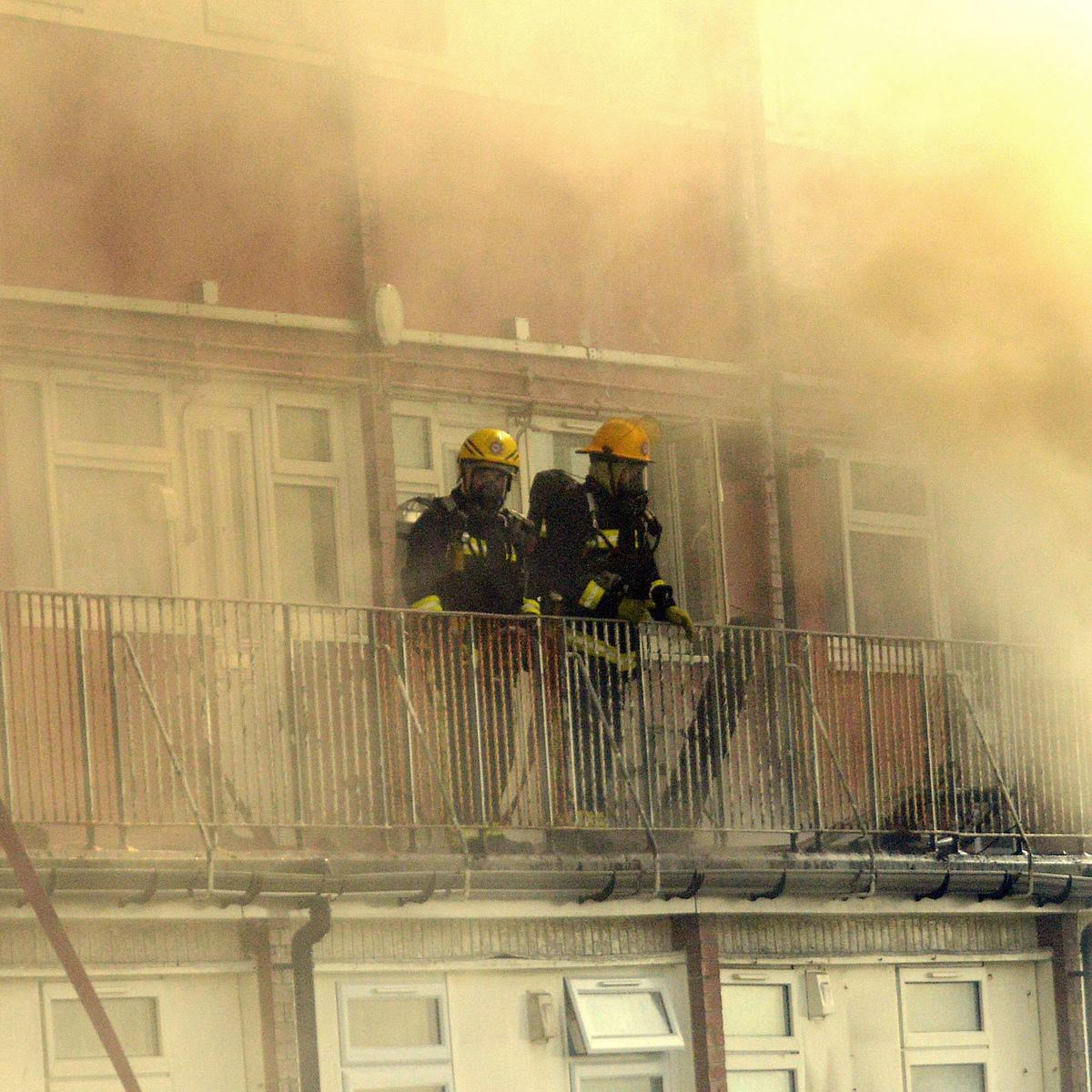 UNILAD SWNS FLAT FIRE 0171092 Boy Tries To Recreate Science Experiment, Burns Down Block Of Flats Causing £3m Damage