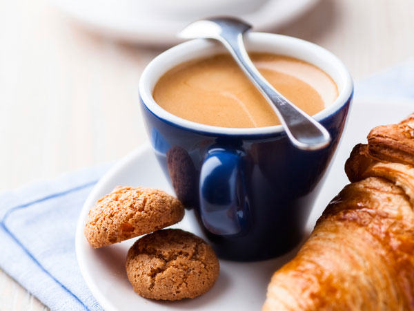 UNILAD croissant coffee16568 The Most Important Meal Of The Day? Around The World In 20 Breakfasts