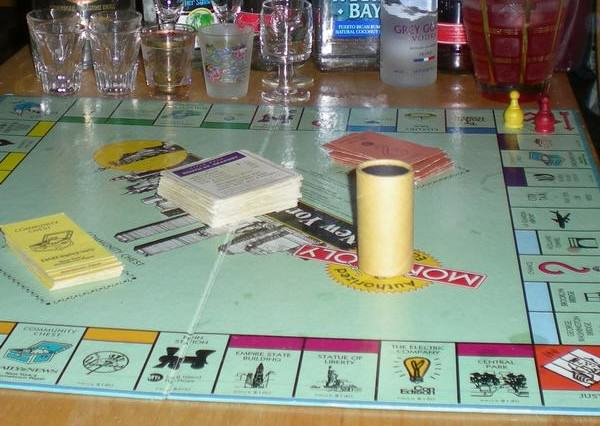 UNILAD drunk monopoly48538 600x426 How To Do Christmas On The Cheap