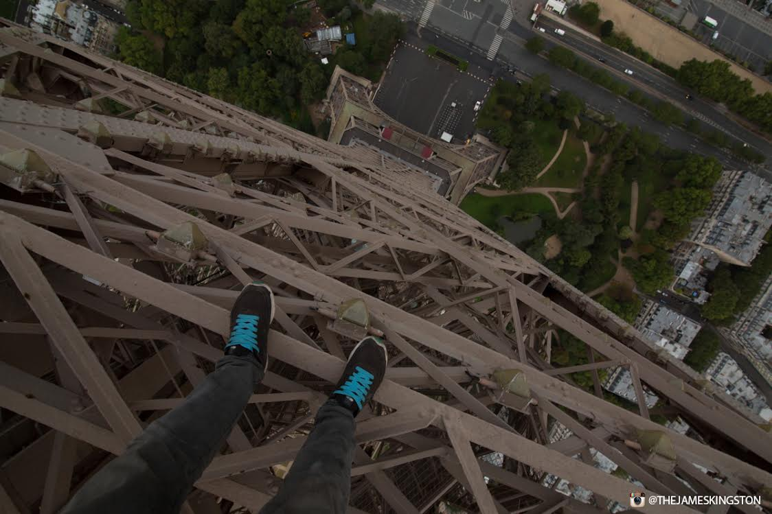 UNILAD eiffel tower 478438 James Kingston Has Just Climbed The Eiffel Tower