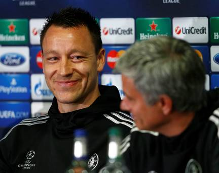 UNILAD jt jose presser51500 Jose Mourinho Is Chelseas Special One, And The Fans Know It