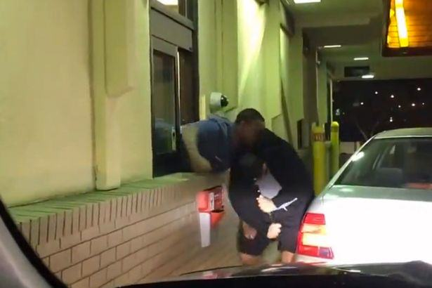 UNILAD mcdonalds fight 169665 McDonalds Customer Films Fight Between Drive Thru Worker And Guy At Window