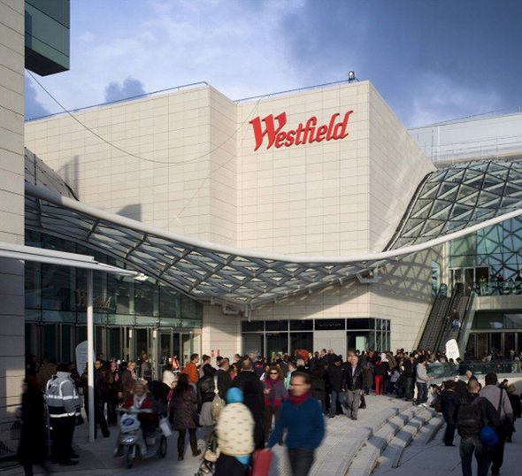 UNILAD public bj 244506 Pregnant Wife Gave Husband Oral Sex In Shopping Centre As Their Kids Watched