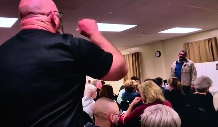 UNILAD racist 128711 Man Storms Mosque Meeting, Shouts All Muslims Are Terrorists At Speaker