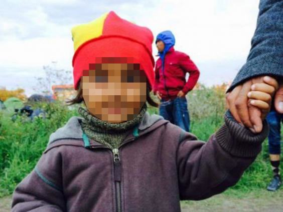 UNILAD refugee save 327922 Ex Soldier Is Facing Prison For Trying To Rescue Refugee Girl, 4