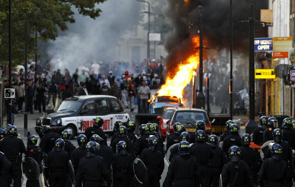 UNILAD riot125888 Police Warn UK Would Suffer Higher Death Toll From Terror Attacks Than Paris