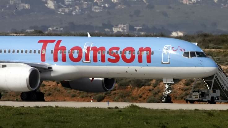 UNILAD thomson airways 1 736x41431250 British Jet Carrying 189 Dodged Missile Over Sharm el Sheikh