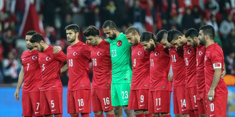 UNILAD turkey boo 178801 Did Turkish Football Fans Actually Boo Minute Of Silence For Paris?