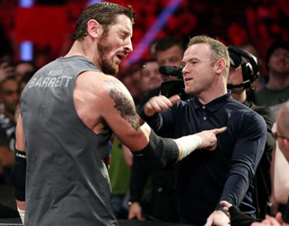 UNILAD wweraw82242 Wayne Rooney Slaps Wrestler Wade Barrett In Face At WWE Raw