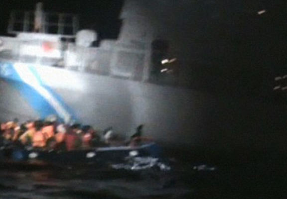 greek web1 Video Shockingly Shows Greek Coast Guard Appearing To Sink Migrant Life Raft