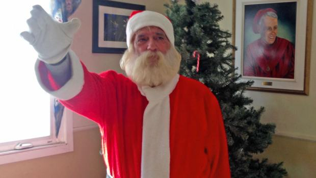 santa676 Homeless Santa Sees Christmas Come Early After Pay It Forward Facebook Post