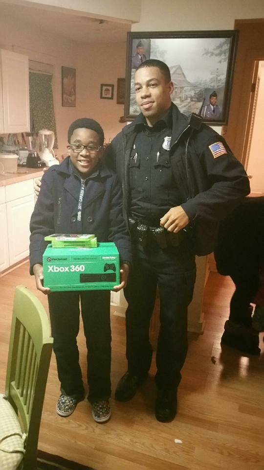 Thieves Steal 11 Year Old Lads Xbox, Police Officers Respond Brilliantly 12241229 925382984208728 7379072397026269607 n
