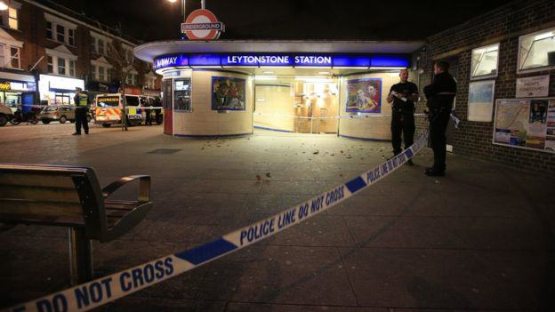 87059729 87059728 Stabbing At London Tube Station A Terrorist Incident, Police Say