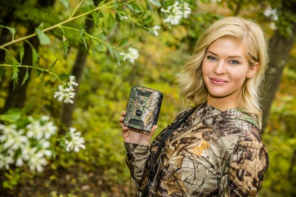 AP1 Beauty Queen Charged With Illegally Killing Bear On Her TV Show