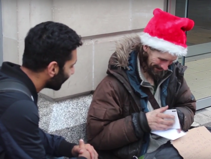 Screen Shot 2015 12 22 at 23.06.54 1 Muslim Man Nails Meaning Of Christmas As He Gives Gifts To Homeless People