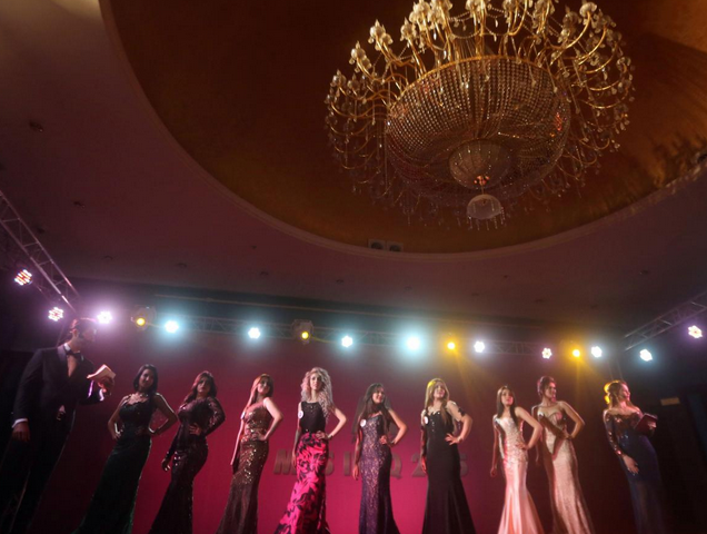 Iraq Holds First Beauty Pageant In 43 Years Despite Contestant Death Threats Screen Shot 2015 12 23 at 20.40.31