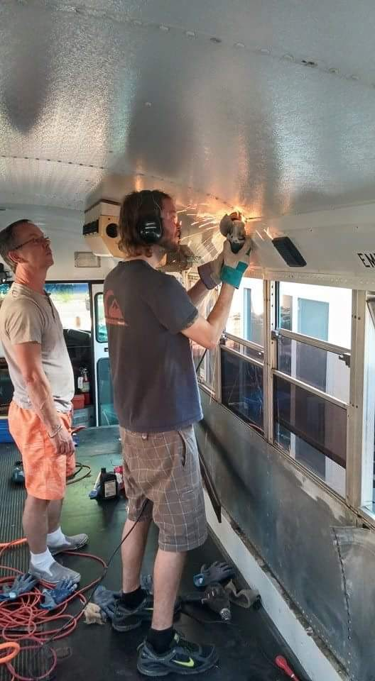 XMb83SK Dad And Son Convert School Bus Into Home And Go On Epic Road Trip