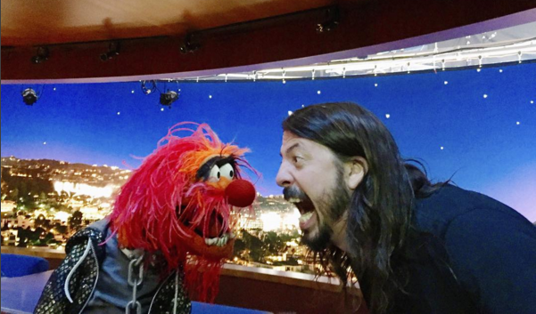 animal grohl Finally, Dave Grohl And Animal From The Muppets Have A Drum Battle