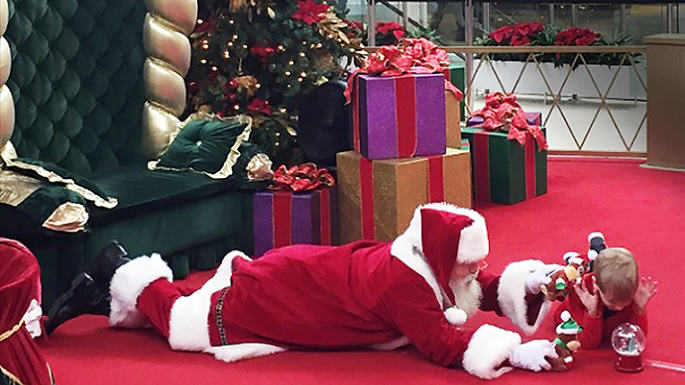 bray Santa Wins Christmas After Touching Encounter With Autistic Kid