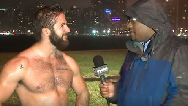 fb5ca5963d6fd2ae809450c62e727b0f Guy Running In Rain With No Shirt On Breaks The Internet